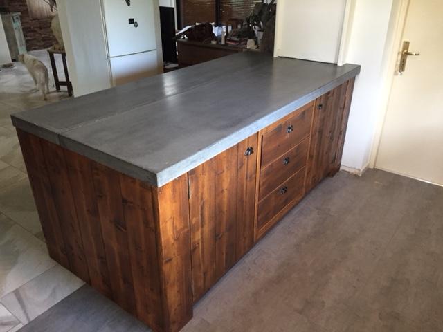 Beton Blad Keuken : Een betonnen aanrechtblad in uw keuken keukensnodig.nl keukensnodig